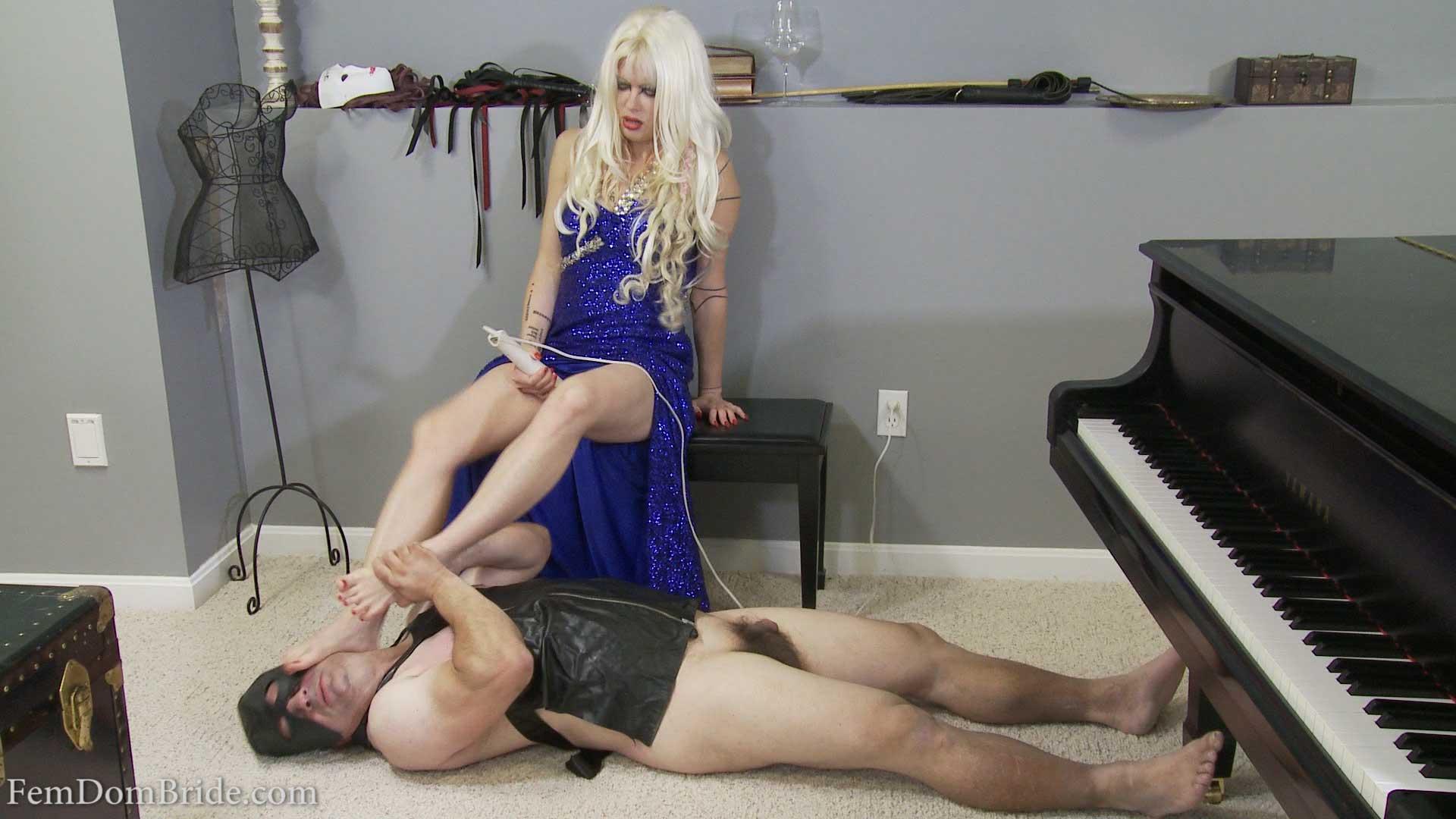 FemDom punishes her slave