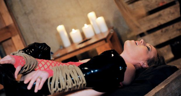 Glossary of BDSM Terms – The Letter K is for Knife Play